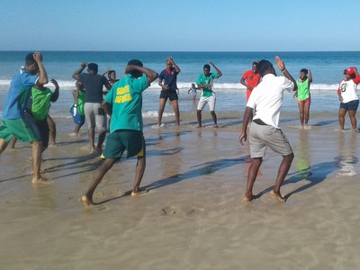 PE beach handball session