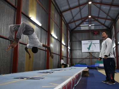 Siphosethu tumbling with coach Lee